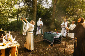 Dana (Grand Archdruid) purifying the grove with earth